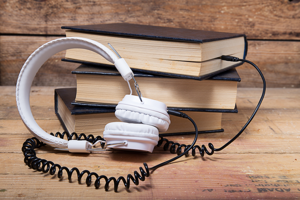 Free Audio Book Sites | Image source: Shutterstock.com / Photographer: Robcartorres