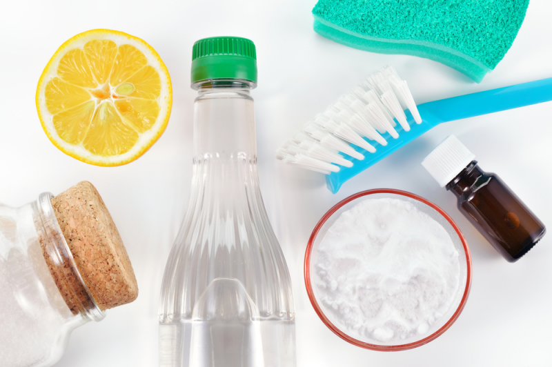 DIY Cleaning Products | Image source: Shutterstock.com / Photographer: Geo-grafika