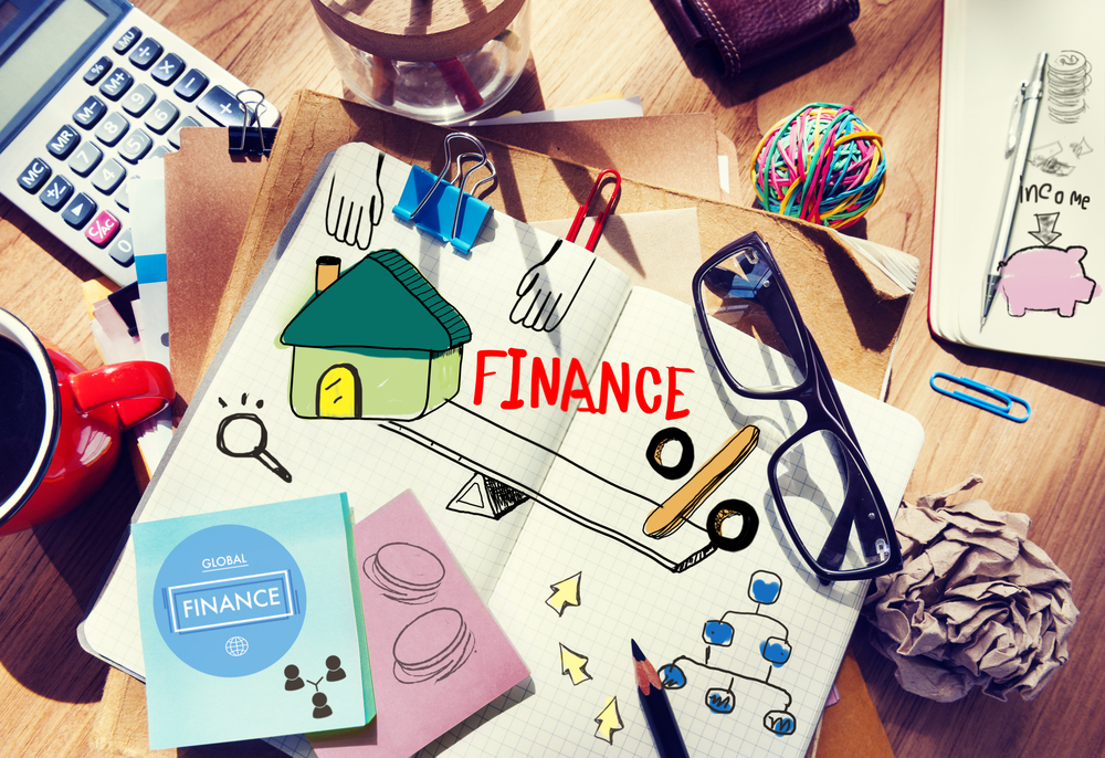 Personal Finance Blogs | Image source: Shutterstock.com / Photographer: Rawpixel