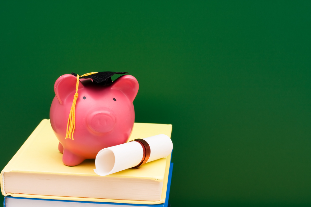 Student Loan Repayment Tips | Image source: Shutterstock.com / Photographer: karen roach